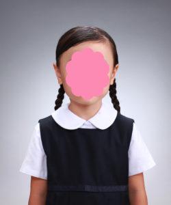 受験写真 おさげの女児 よい例
