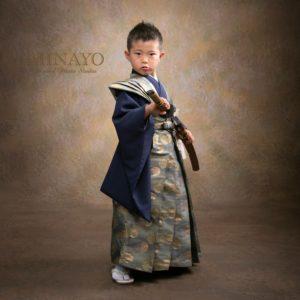 裃を着た5歳男児
